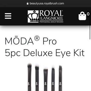 VEGAN Moda Pro 5PC Deluxe Eye Kit